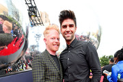 Jesse Tyler Ferguson and Justin Mikita attend the 2019 MTV Video Music Awards at Prudential Center on August 26, 2019 in Newark, New Jersey.