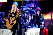 (EDITORIAL USE ONLY) (L-R) Nancy Wilson and Ann Wilson of Heart perform onstage during the 2019 iHeartRadio Music Festival at T-Mobile Arena on September 20, 2019 in Las Vegas, Nevada.