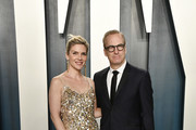 (L-R) Rhea Seehorn and Bob Odenkirk attend the 2020 Vanity Fair Oscar Party hosted by Radhika Jones at Wallis Annenberg Center for the Performing Arts on February 09, 2020 in Beverly Hills, California.