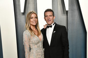 Nicole Kimpel and Antonio Banderas attend the 2020 Vanity Fair Oscar Party hosted by Radhika Jones at Wallis Annenberg Center for the Performing Arts on February 09, 2020 in Beverly Hills, California.