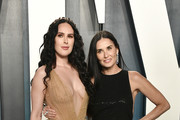 (L-R) Rumer Willis and Demi Moore attends the 2020 Vanity Fair Oscar Party hosted by Radhika Jones at Wallis Annenberg Center for the Performing Arts on February 09, 2020 in Beverly Hills, California.