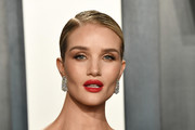 Rosie Huntington-Whiteley attends the 2020 Vanity Fair Oscar Party hosted by Radhika Jones at Wallis Annenberg Center for the Performing Arts on February 09, 2020 in Beverly Hills, California.
