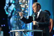 Actor Kevin Spacey accepts the Outstanding Performance by a Male Actor in a Drama Series award for 'House of Cards' onstage during The 22nd Annual Screen Actors Guild Awards at The Shrine Auditorium on January 30, 2016 in Los Angeles, California. 25650_013