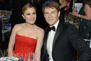 (L-R) Anna Paquin and Stephen Moyer attend the 26th Annual Screen Actors Guild Awards at The Shrine Auditorium on January 19, 2020 in Los Angeles, California. 721359