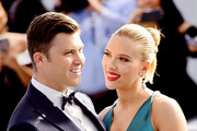 Colin Jost (L) and Scarlett Johansson attend the 26th annual Screen ActorsGuild Awards at The Shrine Auditorium on January 19, 2020 in Los Angeles, California.