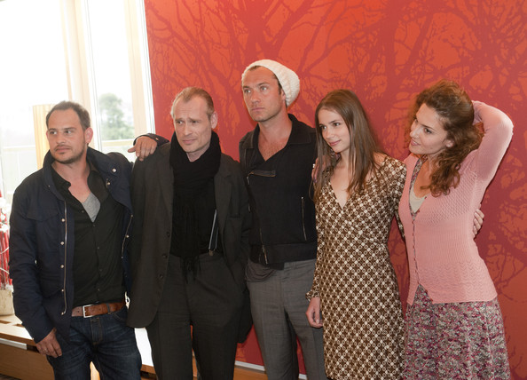 (L-R) Actors Moritz Bleibtreu, Johannes Krisch, Jude Law, Gabriela Marcinkova and Lucia Siposova attend the 360 - Vienna photocall at Hotel Savoyen on April 26, 2011 in Vienna, Austria.