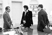380450 04: President Richard Nixon meets with Elvis Presley December 21, 1970 at the White House.