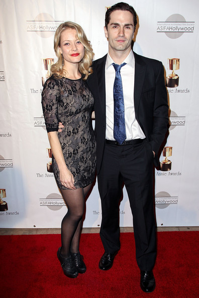 is sam witwer dating sarah allen Sarah allen is a canadian actress she studied acting at the national theatre school of jump up to: sam witwer & sarah allen at pittsburgh comicon.