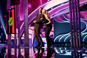 Actors Dax Shepard (L) and Monica Potter speak onstage during The 41st Annual People's Choice Awards at Nokia Theatre LA Live on January 7, 2015 in Los Angeles, California.