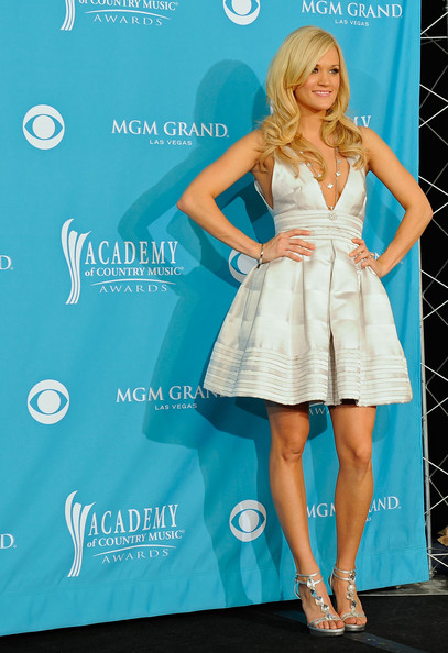 Carrie underwood pictures 45th annual academy of country for Academy of country music award for video of the year