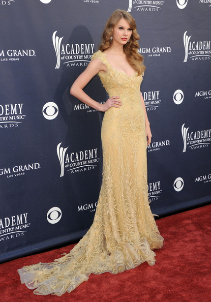 Singer Taylor Swift  arrives at the 46th Annual Academy Of Country Music Awards RAM Red Carpet held at the MGM Grand Garden Arena on April 3, 2011 in Las Vegas, Nevada.