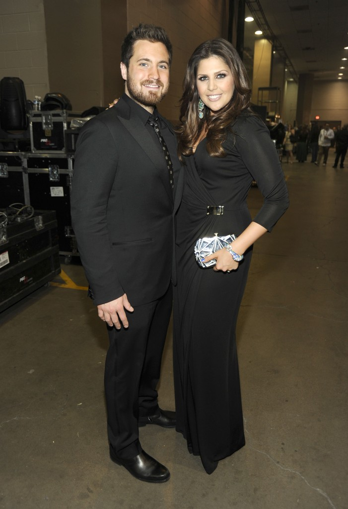 Hillary scott pregnant husband chris tyrrell pictures for Is hillary from lady antebellum pregnant