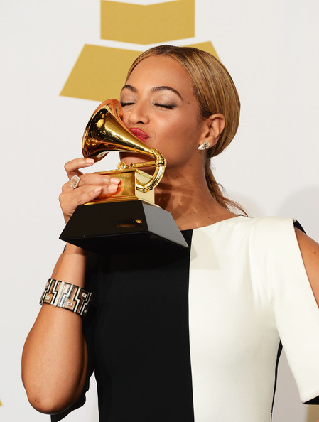 Beyonc 233 17 wins artists who have won the most grammys zimbio