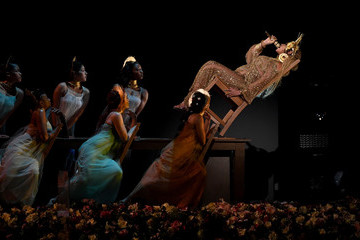 Beyonce's Show-Stopping Grammys Performance Proves Why She's the Best in the Business