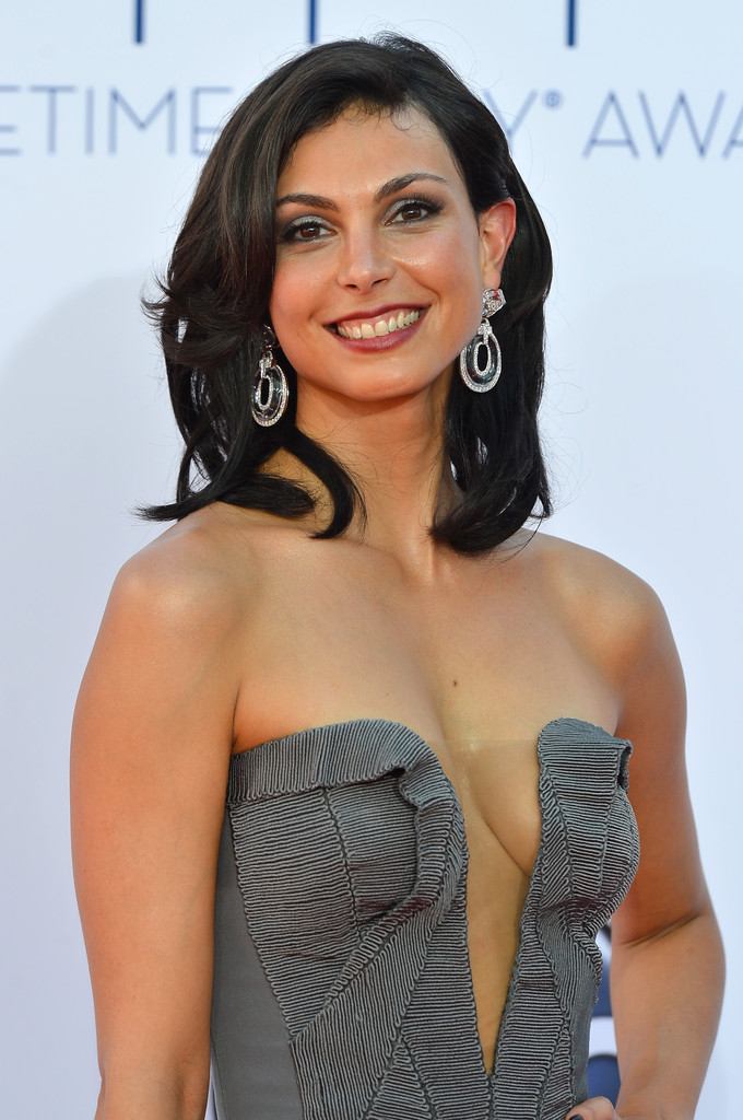 2012 Emmys Best Dressed: Morena Baccarin Stuns in Plunging Gown ...