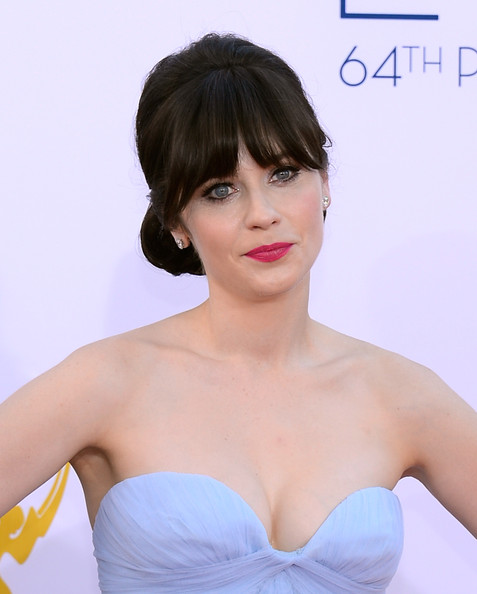 Zooey Deschanel  arrives at the 64th Annual Primetime Emmy Awards at Nokia Theatre L.A. Live on September 23, 2012 in Los Angeles, California.