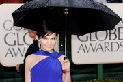 Ginnifer Goodwin - Famous People Trying to Stay Dry and Glamorous in the Rain