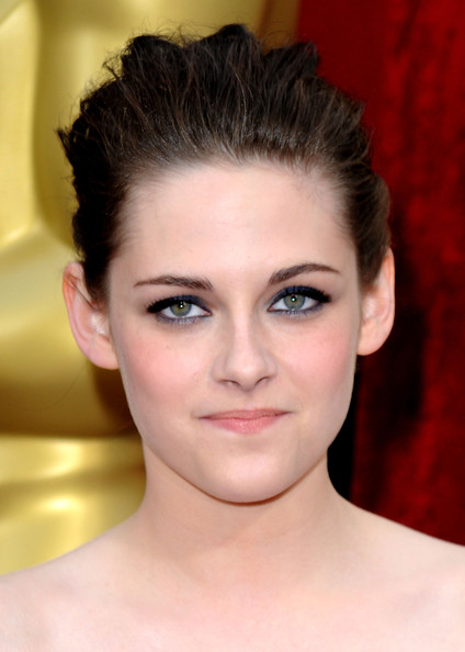 Actress Kristen Stewart (jewelry detail) arrives at the 82nd Annual Academy Awards held at Kodak Theatre on March 7, 2010 in Hollywood, California.