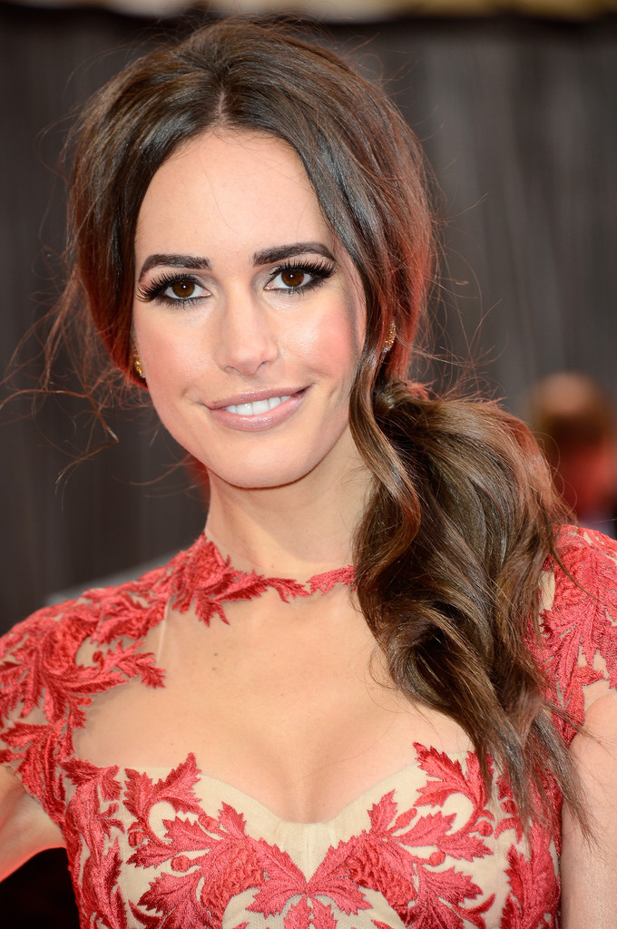 TV personality Louise Roe arrives at the Oscars at Hollywood & Highland Center on February 24, 2013 in Hollywood, California.