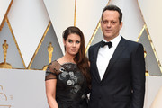 Vince Vaughn and Kyla Weber arrive on the red carpet for the 89th Oscars on February 26, 2017 in Hollywood, California.  / AFP / VALERIE MACON