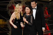 Jason Bateman and Kate McKinnon Photos Photo