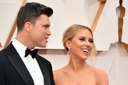 (L-R) Colin Jost and  Scarlett Johansson attend the 92nd Annual Academy Awards at Hollywood and Highland on February 09, 2020 in Hollywood, California.