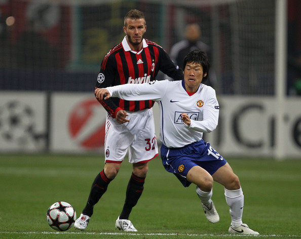 Ji-Sung Park Pictures - AC Milan v Manchester United - UEFAac milan vs man utd 2010 highlight