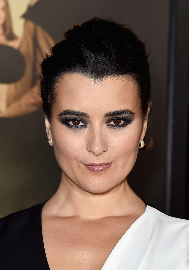 Cote de Pablo Photos Photos - AFI FEST 2015 Presented By ...