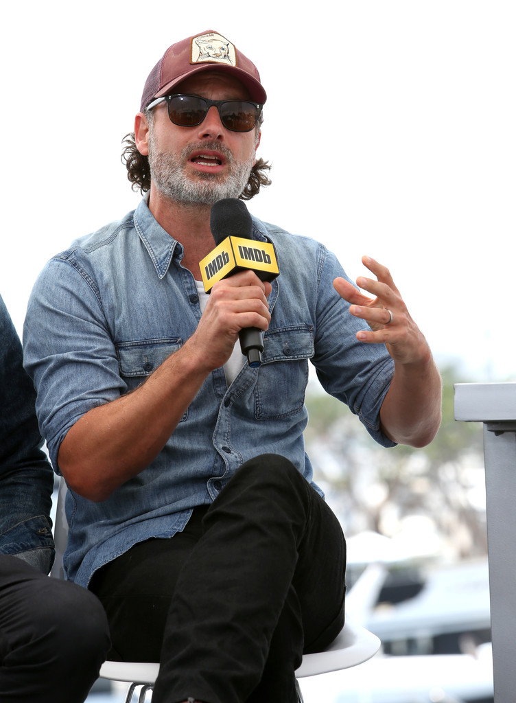 http://www4.pictures.zimbio.com/gi/AMC+at+Comic+Con+2016+Day+3+I_xyxz5pXOIx.jpg