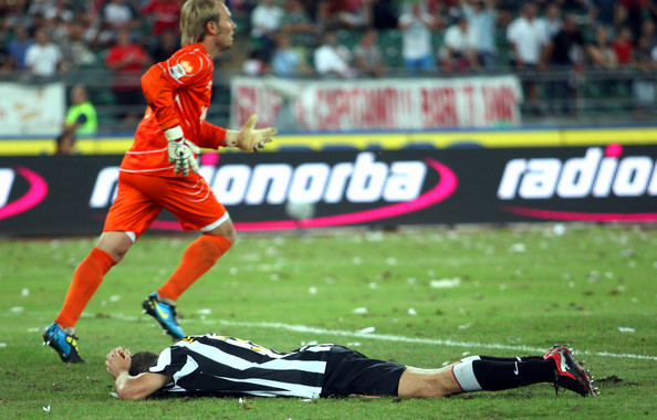 Giorgio Chiellini of Juventus FC shows his dejection during the Serie A match between Bari and Juventus at Stadio San Nicola on August 29, 2010 in Bari, Italy.