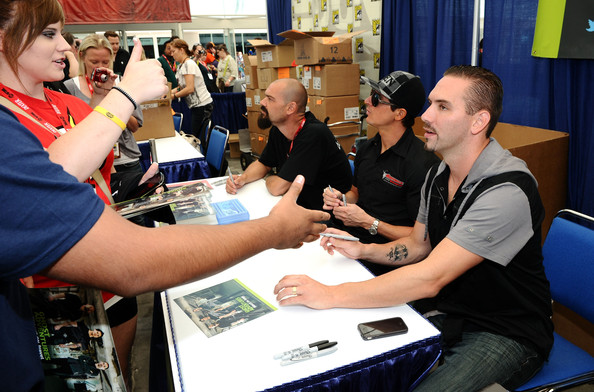Nick Groff and His Wife http://www.zimbio.com/pictures/z_Tej1sa7uu/Travel+Channel+Ghost+Adventures+Autograph/smX7fqRgikK/Aaron+Goodwin