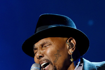 Aaron Neville MusiCares Person Of The Year Tribute To Bob Dylan - Roaming Show