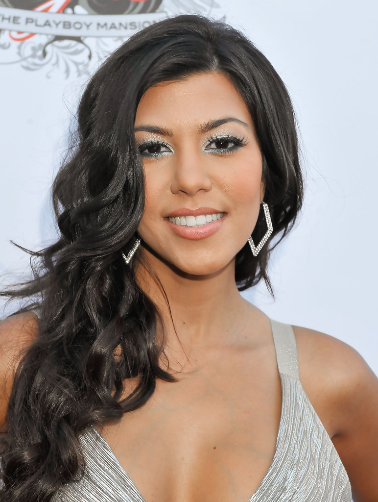 Kourtney Kardashian And Kylie Makeup: Kourtney Kardashian Photos Photos