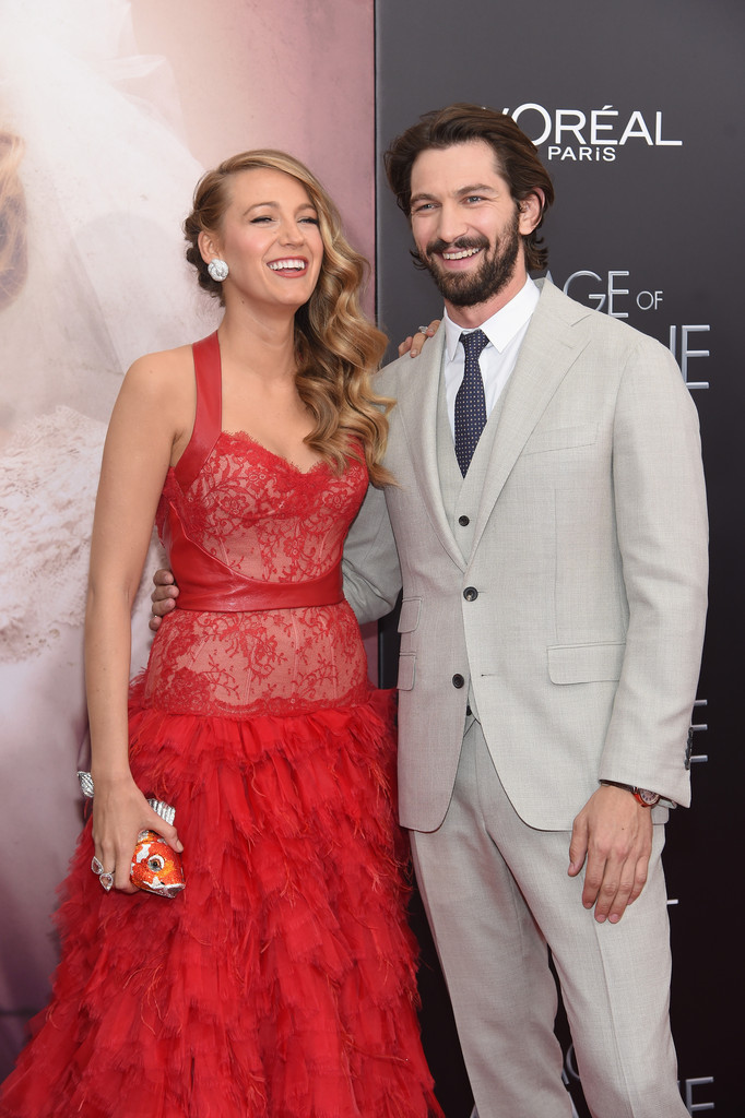 Blake Lively And Michiel Huisman Photos Photos The Age Of