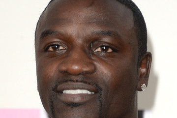 Akon Arrivals at the American Music Awards — Part 2