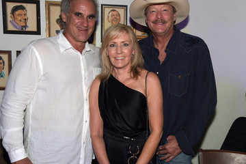 Alan Jackson Denise Jackson Acme Feed & Seed Grand Opening With Special Guest Alan Jackson