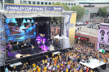 Alan Jackson Broadway Smash: Preds Party With a Purpose - Alan Jackson in Concert