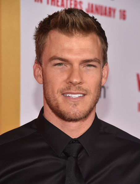 Alan Ritchson Alan Ritchson Photos 39The Wedding Ringer39 Premieres in