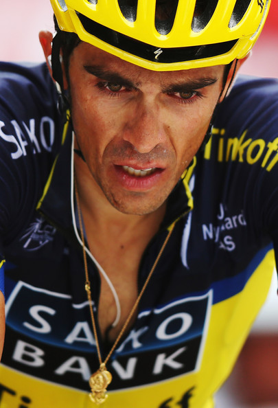 Since no big names are involved I will spare you the names. It might be  important to note that one of Contador s team mates (Hernandez) gave up 3f422eb46