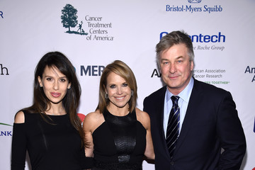 Alec Baldwin Hilaria Baldwin Entertainment Industry Foundation Presents Stand Up to Cancer's New York Standing Room Only Event with Donors American Airlines, MasterCard and Merck - Red Carpet