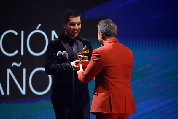 20th Annual Latin GRAMMY Awards - Show [record of the year award,event,award ceremony,award,technology,talent show,performance,competition,brand,alejandro sanz,las vegas,nevada,mgm grand garden arena,latin grammy awards,show]