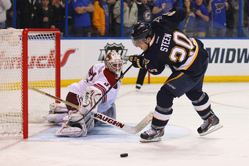 Alex Steen Phoenix Coyotes v St Louis Blues