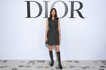 Alexa Chung Dior : Photocall - Paris Fashion Week Womenswear Fall/Winter 2020/2021