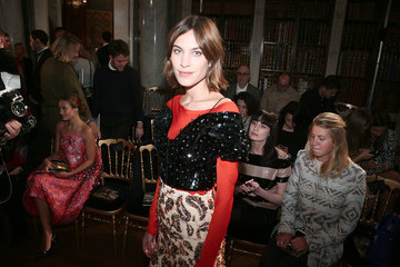 Alexa Chung Front Row And Atmosphere - Dior Cruise Collection 2017