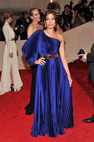 "Actress Eva Mendes attends the ""Alexander McQueen: Savage Beauty"" Costume Institute Gala at The Metropolitan Museum of Art on May 2, 2011 in New York City."