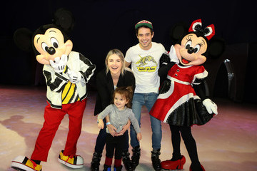 Ali Fedotowsky Disney On Ice Presents Mickey's Search Party Holiday Celebrity Skating Event