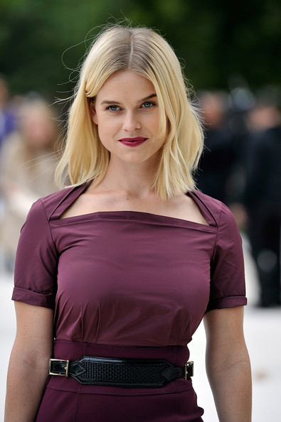 Alice Eve Photos Photos - Burberry Spring Summer 2013 ... Zoe Saldana