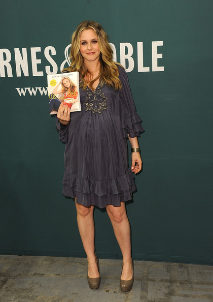 Alicia Silverstone Book Signing For &quotThe Kind Diet&quot - Pictures
