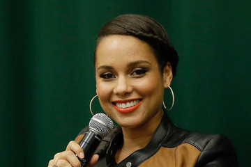 """Alicia Keys Alicia Keys' """"Blue Moon: From The Journals Of Mama Mae & LeeLee"""" Book Release"""