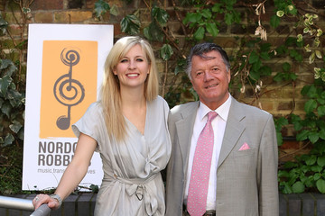Alison Balsom Alison Balsom Visits the a Music Therapy Centre